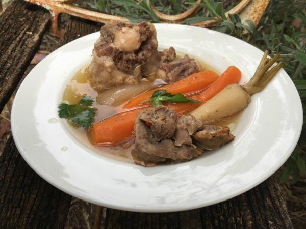 מרק עוף ובשר