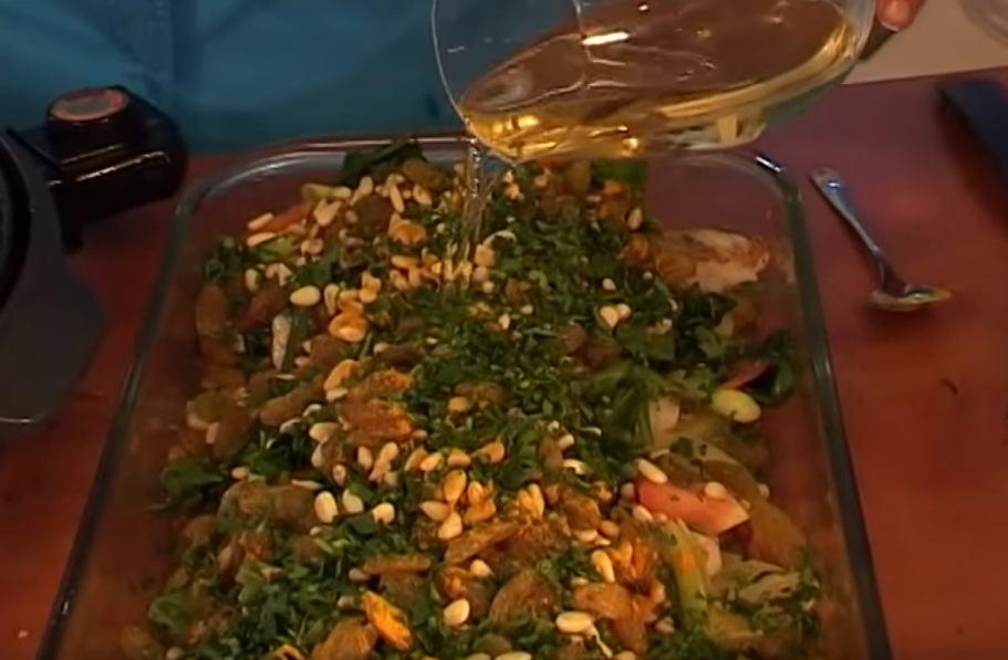 דג אפוי ביין, צימוקים וצנוברים