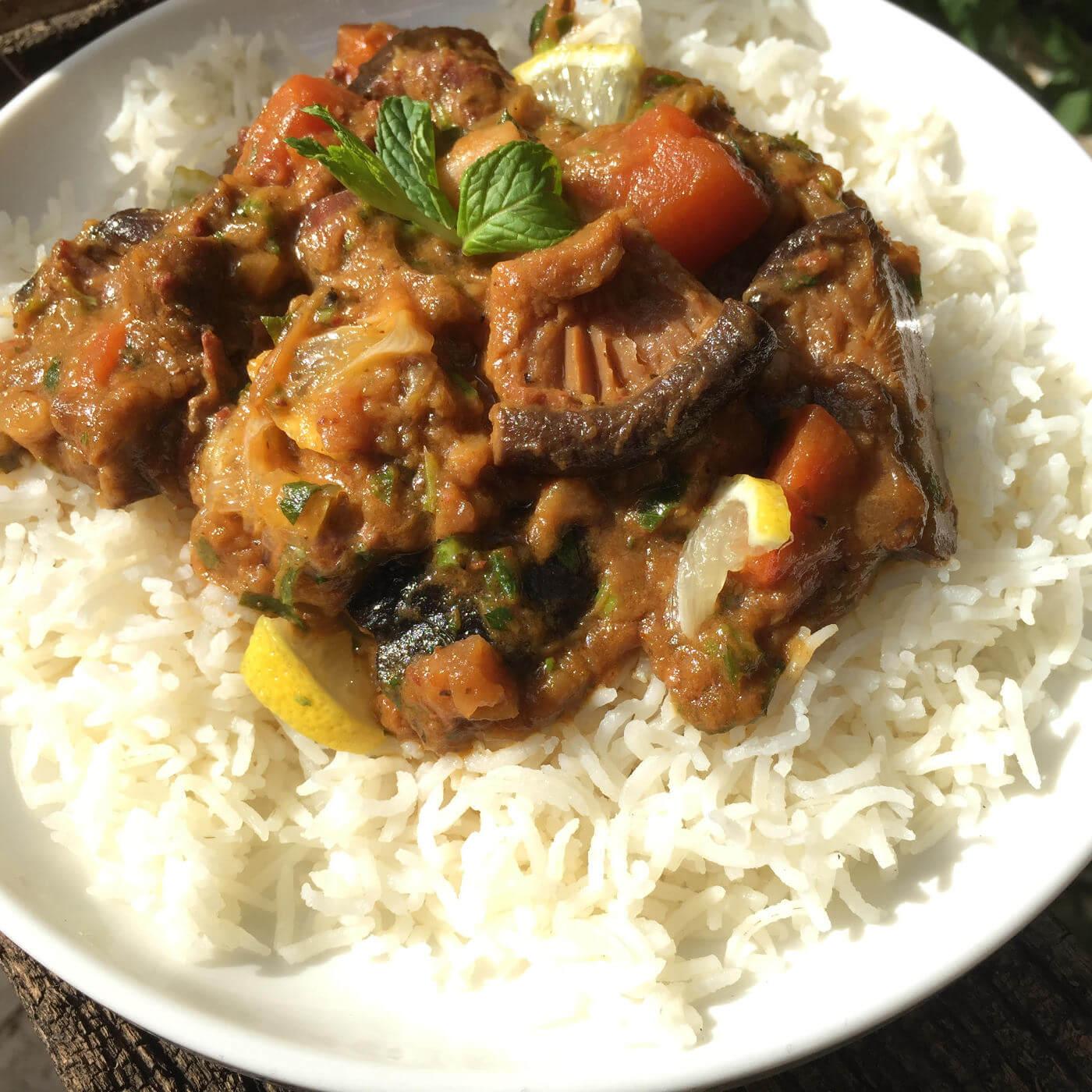 תבשיל בשר עם פטריות שיטאקי